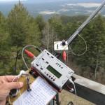 Fred KT5X opérant un ATS-4 en SOTA