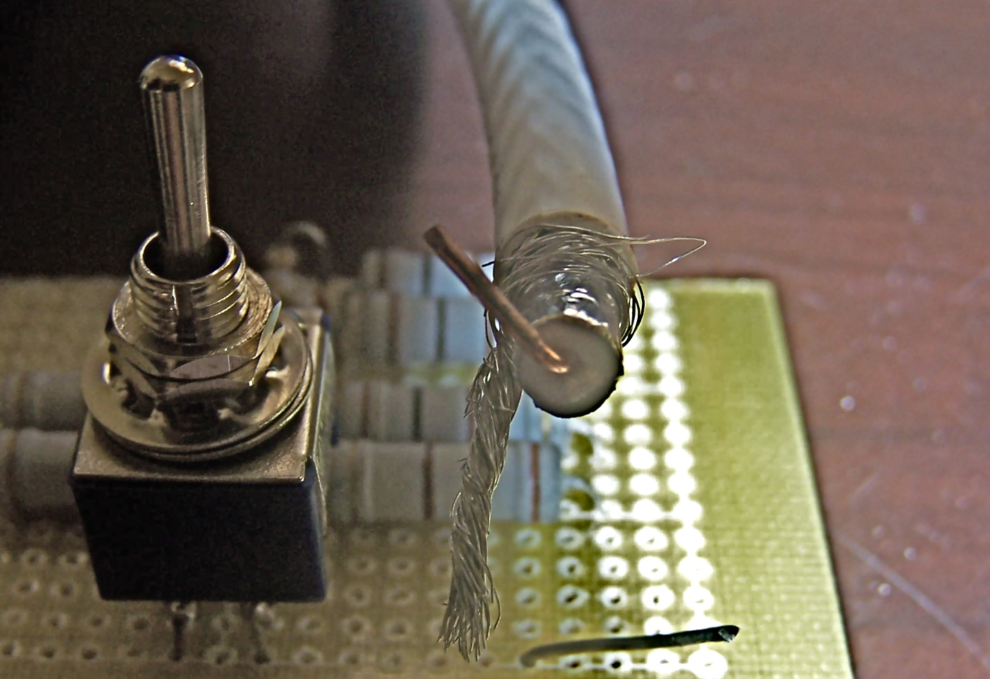 Cable 75 ohms au dessus d'un pont détecteur de ROS