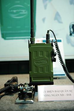 Radio militaire vietnamienne VTT-8988
