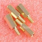 Supports en laiton pour circuits imprimés